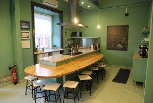 Kitchen-Good-Morning-Hostel-Lisbon