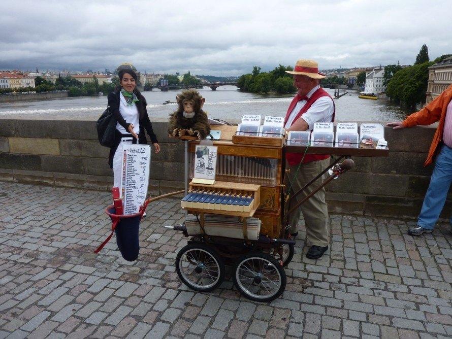 Charles Bridges Vendors